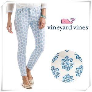 NWT Vineyard Vines Ornament Medallion Skinny Jeans